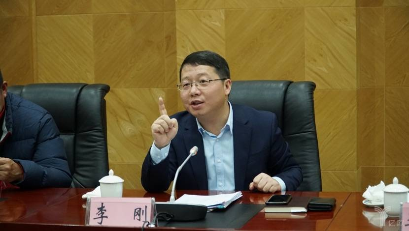 六盘水市委副书记、市长李刚