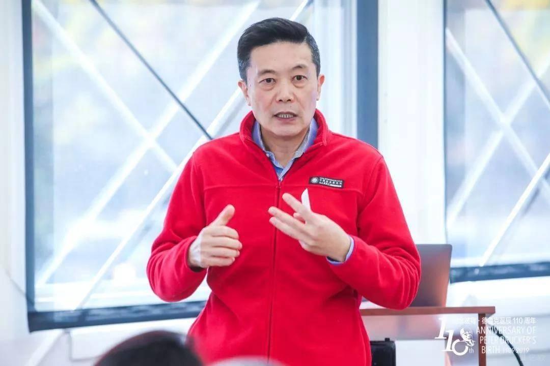 硅谷著名高科技专家、《暗知识》作者王维嘉