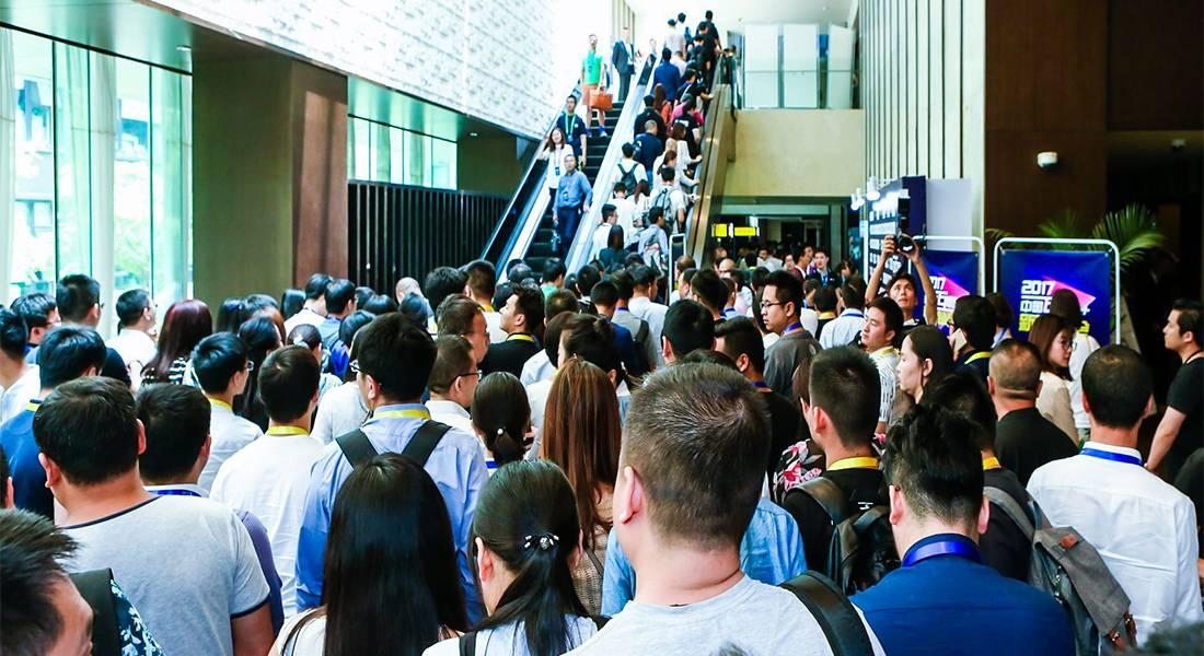 2017中国互联网+新商业峰会两天共计接待超过3500名听众