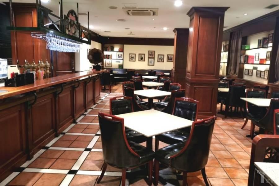 餐厅 / 傅颖威