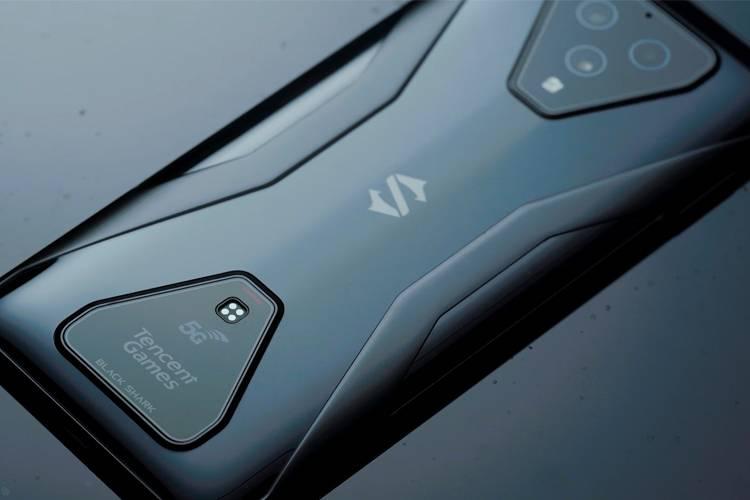 腾讯黑鲨游戏手机3:可以用语音操控的游戏手机